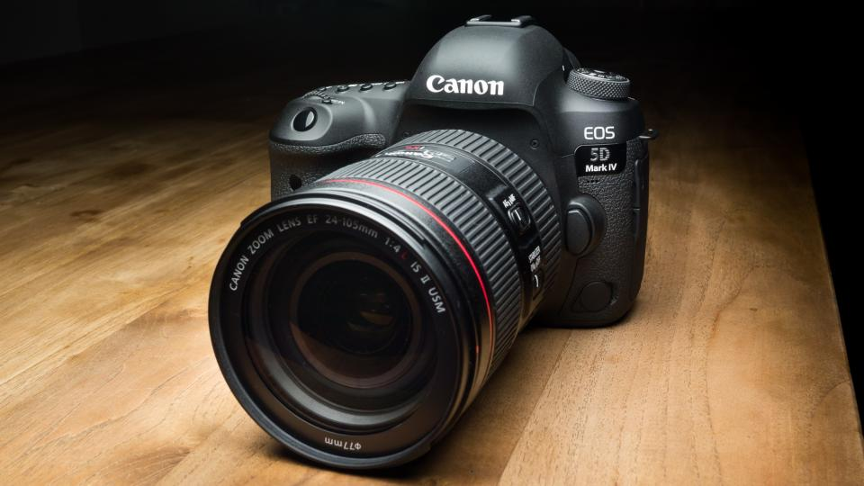 Canon EOS 5D Mark IV Firmware Version 1 0 4 now Released